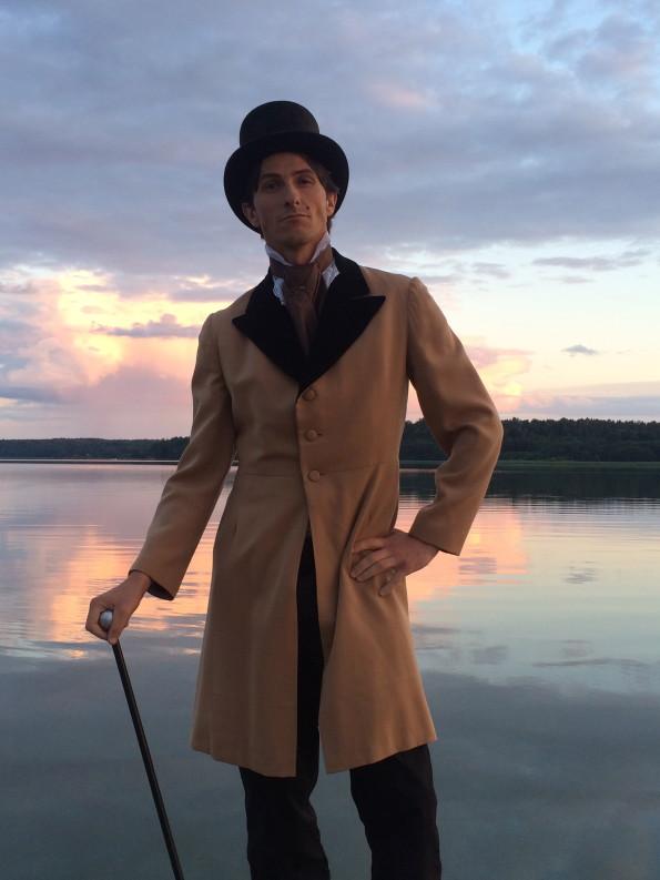 Viktor Åkerblom on set